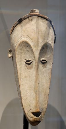 Facts about African masks - Fang mask