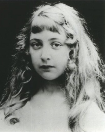 Facts about Agatha Christie - Young Christie