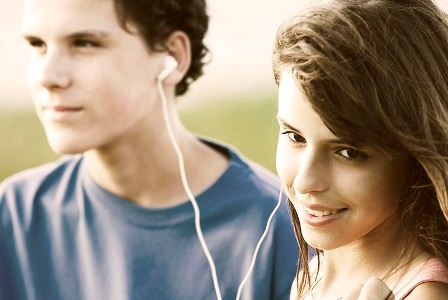Facts about adolescence - Teenagers listening to music