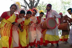 Traditional costumes for men and women in Jharkhand