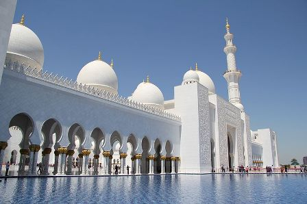 Facts about Abu Dhabi - Sheikh Zayed Grand Mosque