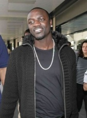 Facts about Akon - At Mumbai Airport