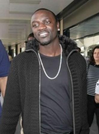 Facts about Akon - At Mumbai Airport