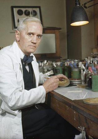 Facts about Alexander Fleming - Alexander Fleming