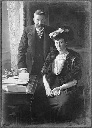 Facts about Alfred Deakin - With his wife