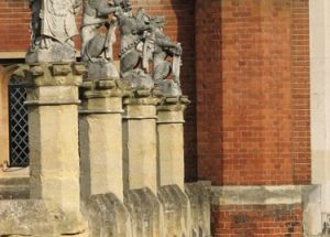 10 Facts about Hampton Court Palace
