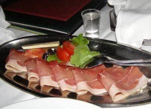 Njegski prsut (smoked ham)